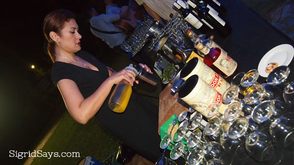 mixologist at the Ruins - Mixologist Kathryn Eckstein - cocktail drinks - cocktail drink recipe