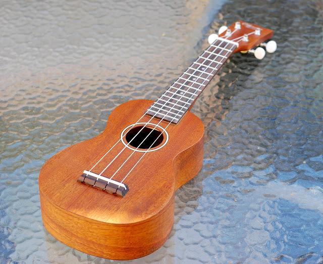 Ohana SK-25 soprano ukulele