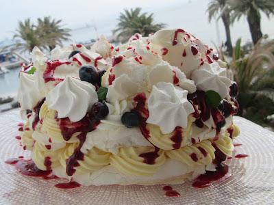 Voćna puslica / Fruit fluffy cake