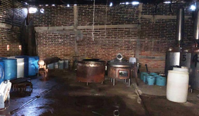 Marinos aseguran 45 kilos de 'cristal' en narcolaboratorio en Jalisco
