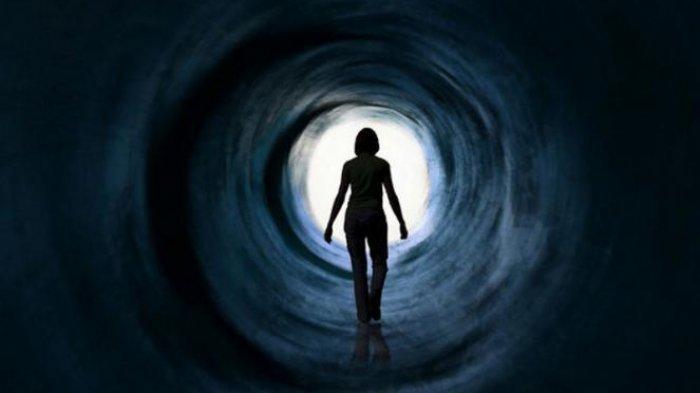 Resensi Film Mati Suri: Kisah Menyeramkan di Balik Villa Horor