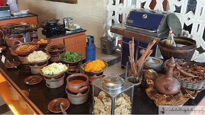 Menu tradisional khas Jawa seperti gudangan juga ada loh, buat yang suka sayur bisa memilih menu ini. (Dok.Pri)