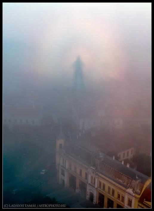 Sosok menyerupai hantu terlihat di kota Veszprem Hantu Di Kota Veszprem, Hongaria