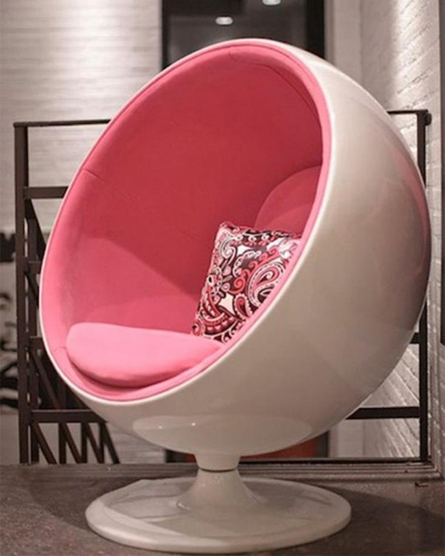 fütüristik küre sandalye