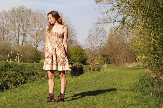 Country girl style in the sunshine