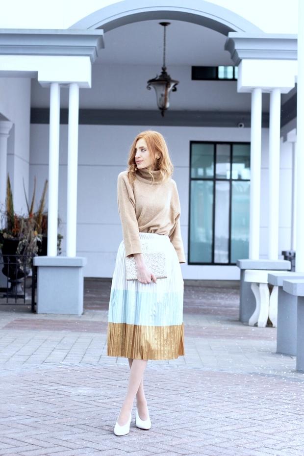 Zara metallic skirt, Zara leather white heels, How to plan a housewarming party