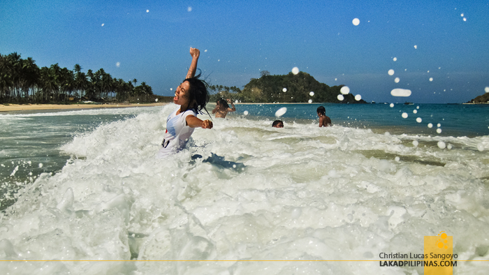 El Nido Nacpan Beach Waves