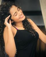 Anupama Parameswaran Glam Stills HeyAndhra.com