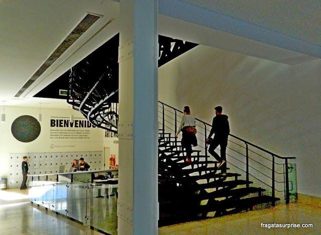 Escadaria do Museu de Arte Moderna de Buenos Aires