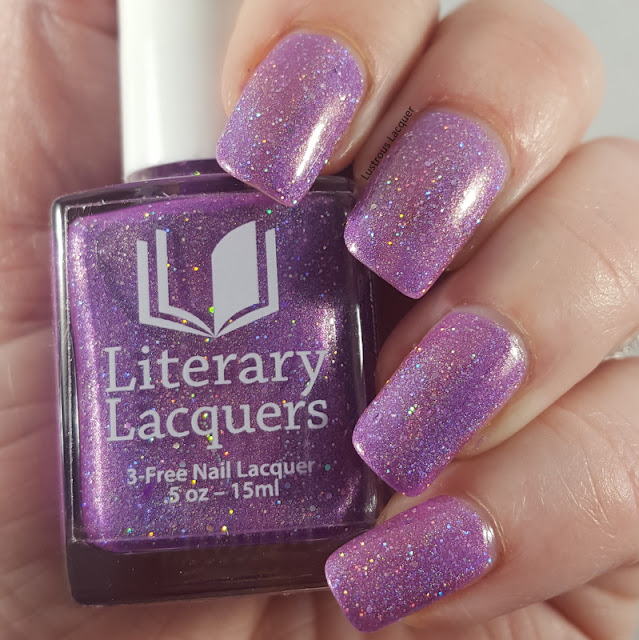 Pale-purple-scattered-holographic-nail-polish