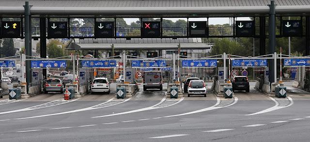 Indicaciones en las barreras de peaje, Francia
