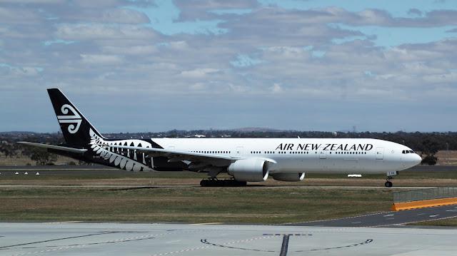 環遊世界|紐西蘭航空 NZ41 大溪地⟶奧克蘭 特選經濟艙飛行紀錄 (B777-219)