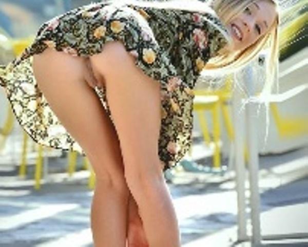 www.pornvk.ru девушки в Хабаровске без трусов, Эротика без трусиков