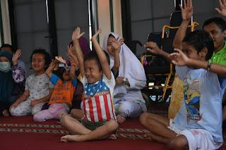 Kak Tony mendongeng di Yayasan Sayap Ibu Bintaro