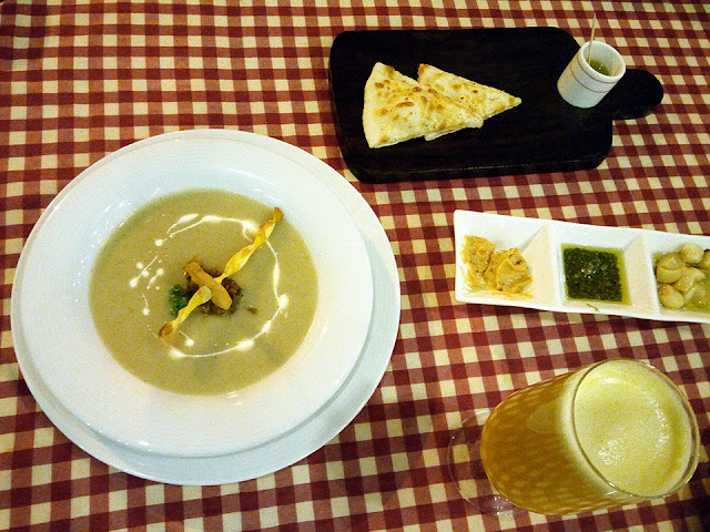 White Onion Veloute Soup, Movenpick Hotel, Food Blog, Food review, top food blog, italian food, italian cuisine, red alice rao, redalicerao