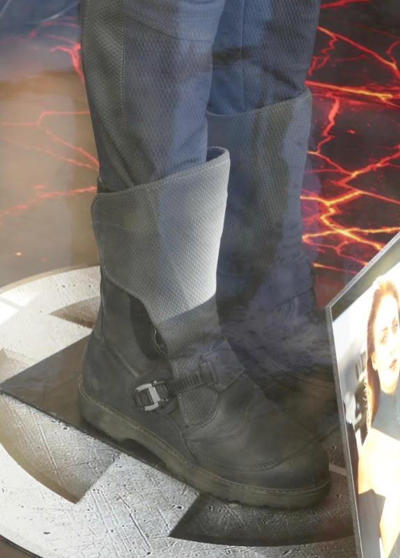 Jean Grey X-Men costume boots Dark Phoenix