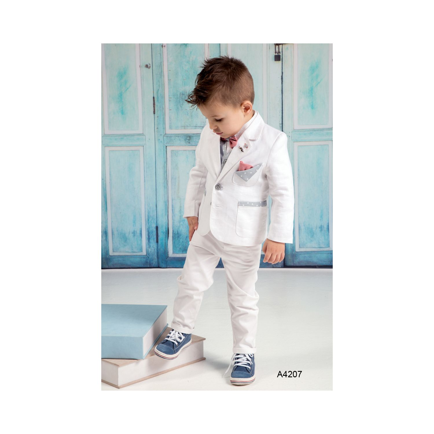 White christening suit for boys A4207