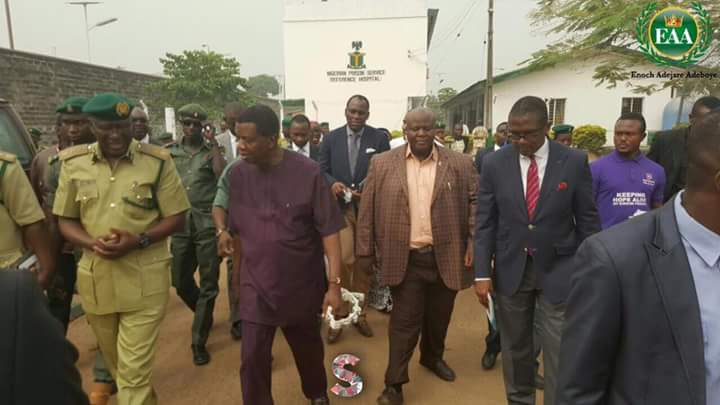RCCG General Overseer, Pastor E.A Adeboye Visits Kirikiri Maximum Security Prisons - Lagos