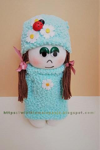 skarpetkowe lalki, skarpetkowe wytwory, lalki ręcznie szyte,skarpetkowa lalka, lalka ze skarpetki, skarpetki, zabawki ze skarpetki, skarpetkowe zabawki, skarpetkowe wytwory, Calineczka,  mała lalka, papierowe kwiaty, kwiaty z papieru, skarpetki niemowlęce, sock doll, doll with socks, socks, toys with socks, socks toys, socks creations, Thumbelina, a small doll, paper flowers, paper flowers, baby socks, носовая кукла, кукла с носками, носки, игрушки с носками, игрушки для носков, носки, Дюймовочка, кукла, бумажные цветы, бумажные цветы, детские носки, calcetín, muñeca con calcetines, calcetines, juguetes con calcetines, calcetines juguetes, creaciones de calcetines, Thumbelina, una pequeña muñeca, flores de papel, flores de papel, calcetines para bebés, Sockenpuppe, Puppe mit Socken, Socken, Spielzeug mit Socken, Socken Spielzeug, Socken Kreationen, Däumelinchen, kleine Puppe, Papierblumen, Papierblumen, Babysocken, Spring, wiosna, kolorowe guziki, krokusy, wiosenne kwiaty, wiatr, wiatr we włosach