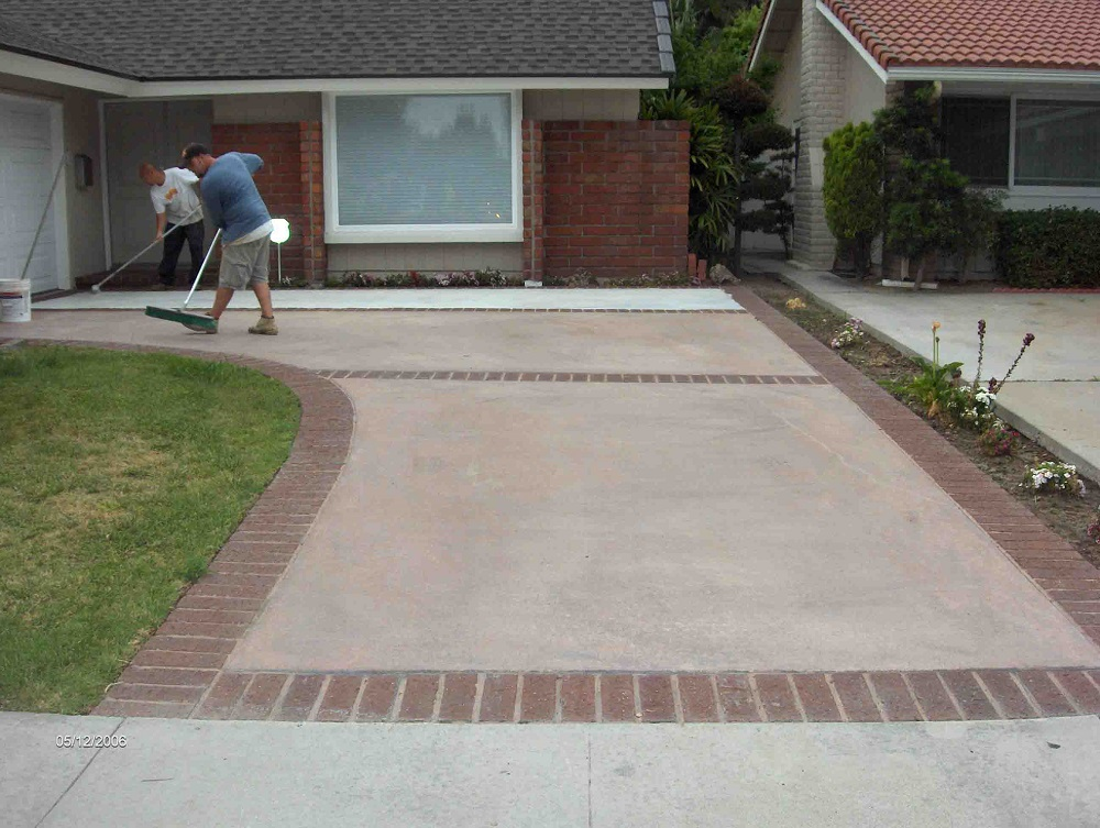 The Essentials of Painting a Concrete Driveway
