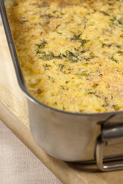 Pečeni krompir sa dimljenim lososom i pavlakom