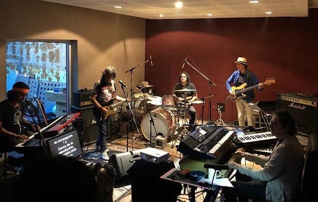 A horas del regreso de Charly García a los escenarios,  declaraciones del Zorrito Quintiero y Toño Silva, tecladista y percusionista respectivamente de su banda.