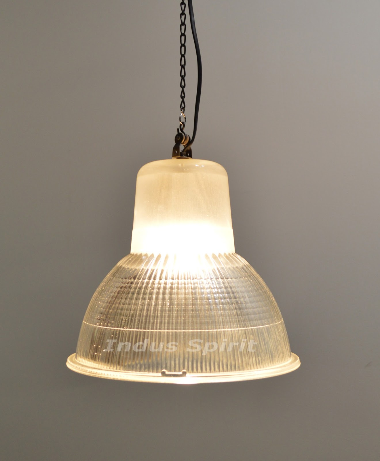 Ancienne lampe Holophane