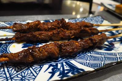 Tan Yu (探鱼), lamb skewers