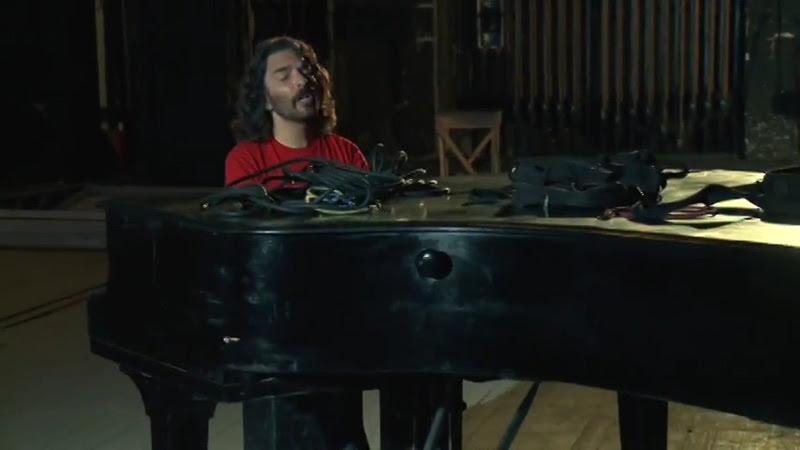Santiago Feliú - ¨Marionetas de Cupido¨ - Videoclip - Dirección: Lester Hamlet. Portal Del Vídeo Clip Cubano - 06