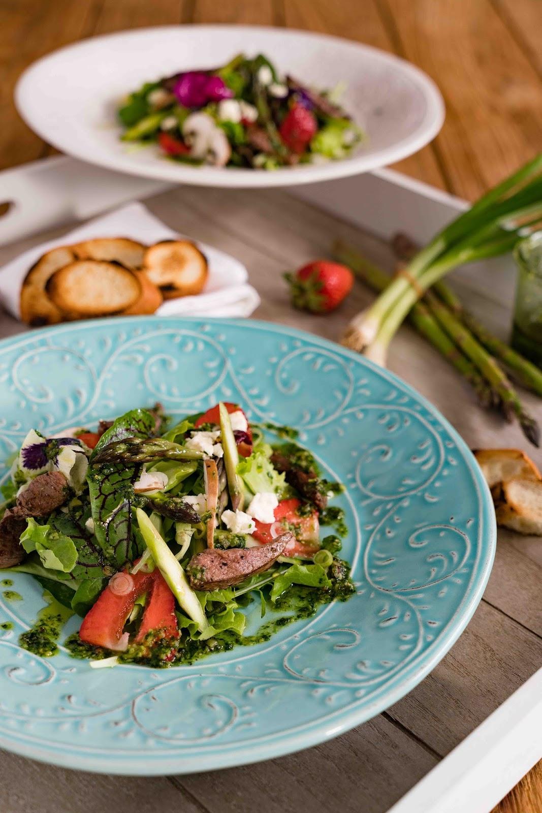 stuttgartcooking kr uter bl ten salat mit erdbeeren. Black Bedroom Furniture Sets. Home Design Ideas