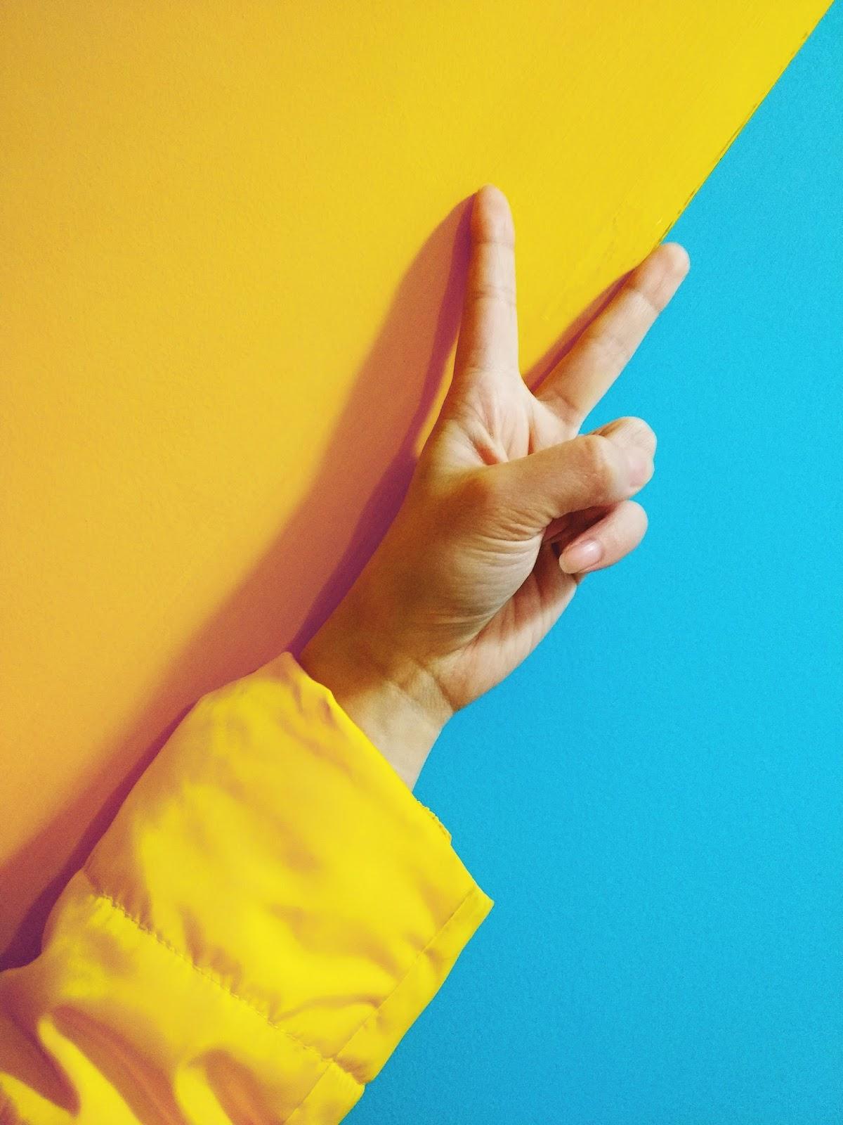 wie trendfarbe gelb kombinieren