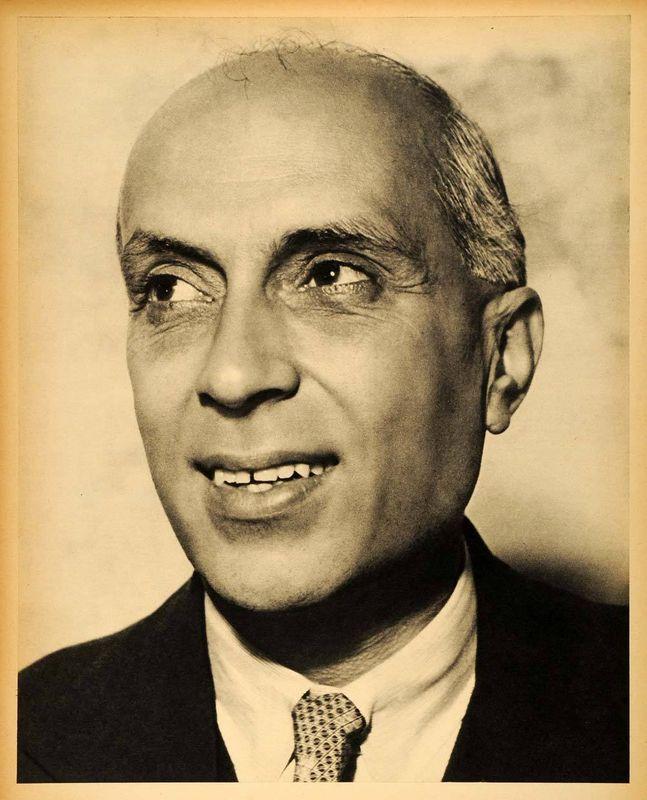 pandit jawaharlal nehru 1942 portrait old indian photos