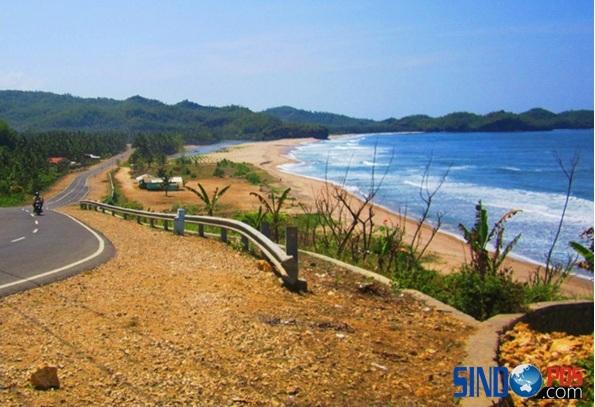 Wisata Pantai Soge Pacitan