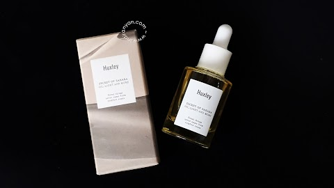 [REVIEW] Huxley - Oil ; Light and More*