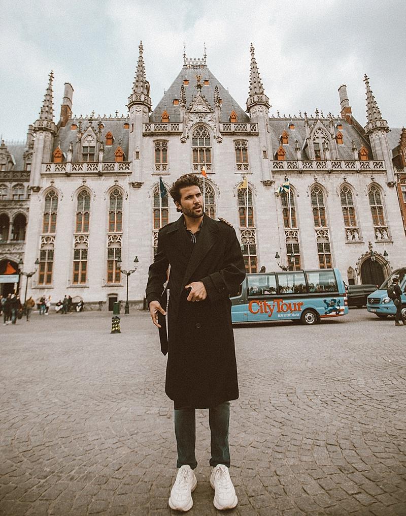 Adult Guide in Bruges