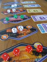 jeux traditionnels, cartes et dés au 8uit café ludique montpellier