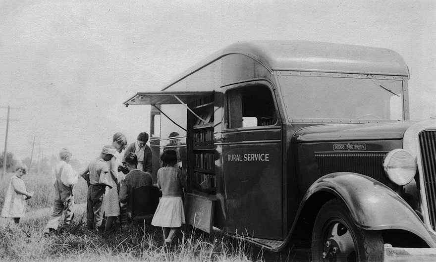 Before Amazon, We Had Bookmobiles 15+ Rare Photos Of Libraries-On-Wheels - Bookmobile