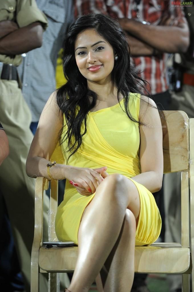 Nikeesha Patel at Celebrity Cricket League