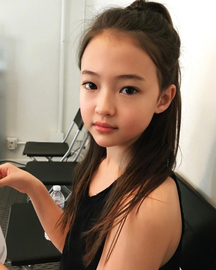 Korean-American Child Model Ella Gross Signs with YG | Daily