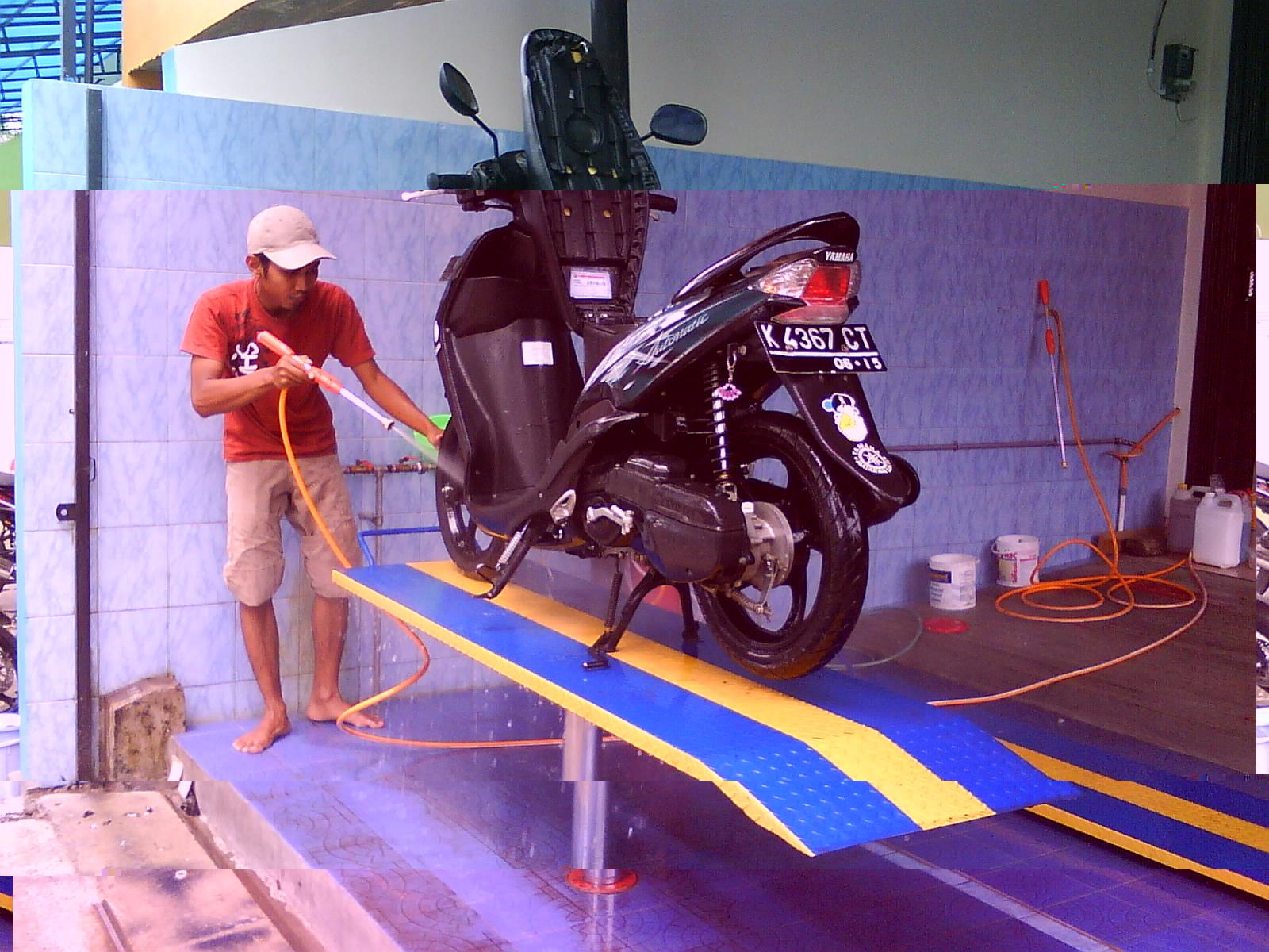 Usaha Cuci Sepeda Motor
