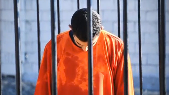 Sin piedad: el Estado Islámico sumerge a desertores en agua hirviendo