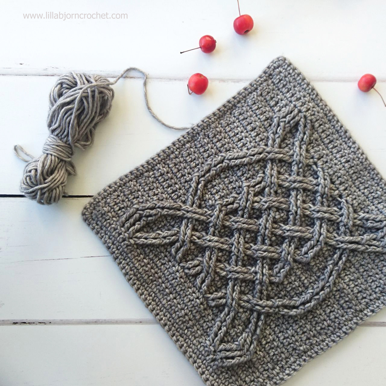 Celtic crochet square - free pattern by Lilla Bjorn