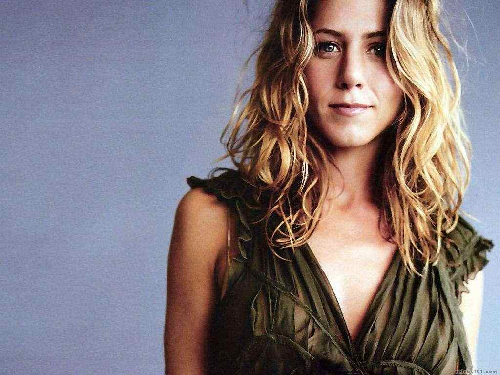 Jennifer Aniston: Jennifer Aniston Biography And Photos