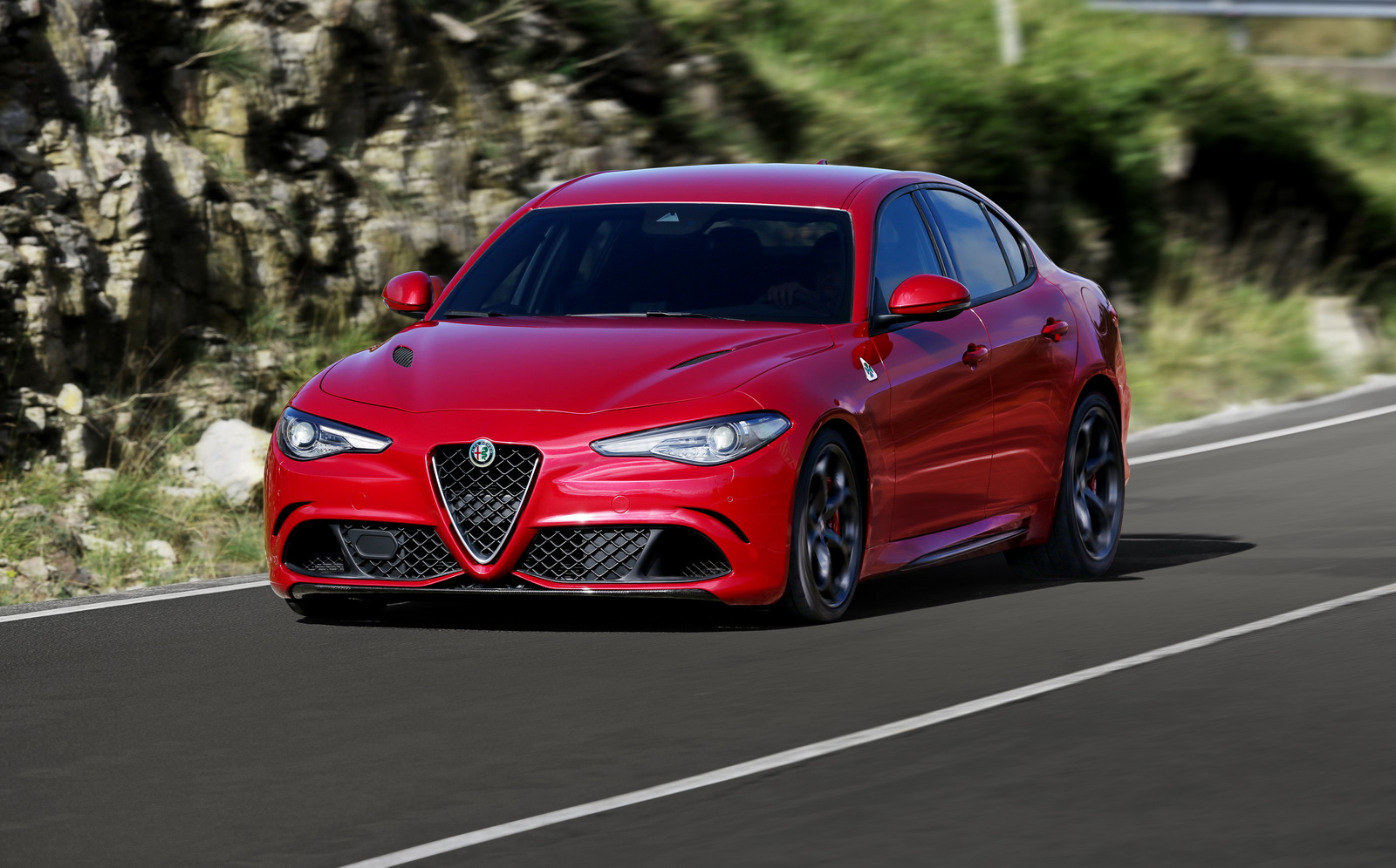 oh no alfa romeo giulia launch delayed by six months report says carscoops. Black Bedroom Furniture Sets. Home Design Ideas