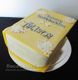 bolo aniversário forma livro
