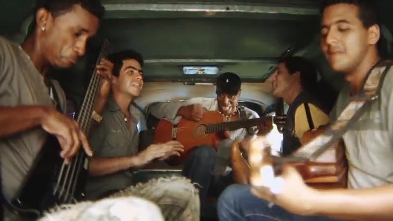 Tony Ávila - ¨La choza de Chacho y Chicha¨ - Videoclip - Dirección: Alfredo Ureta. Portal Del Vídeo Clip Cubano - 04