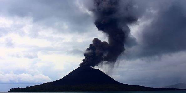 Ternyata, Anak Gunung Krakatau Meletus Dulu, Disusul Tsunami Dahsyat