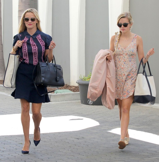 Reese Witherspoon and her daughter Ava impress by similarity