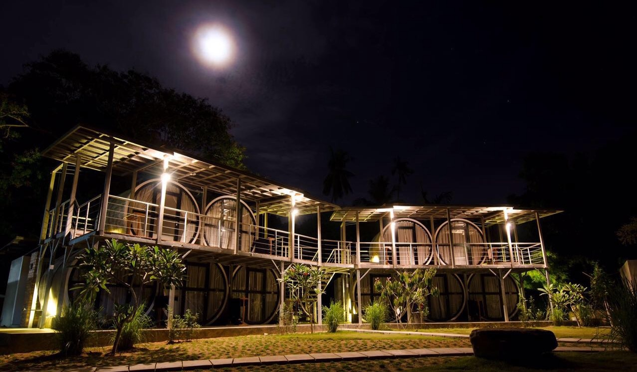 William Island Paradise Ent   Godeeper Tioman Chalets