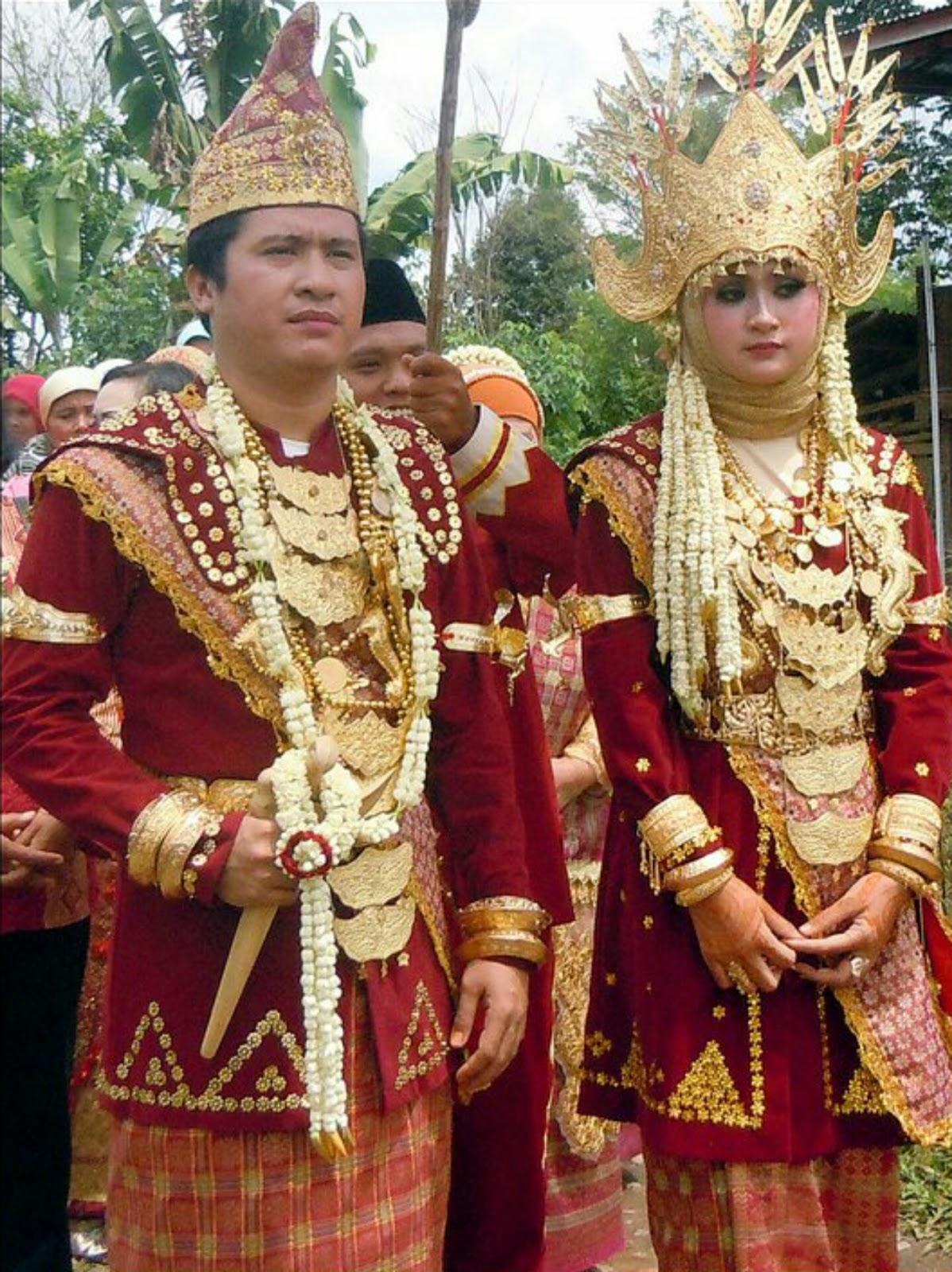 Pakaian Pengantin Pria Adat Lampung Saibatin Dan Pepadun Beserta